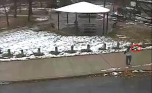 美警察执法争议再起,警员击杀12岁持玩具枪儿童视频公布