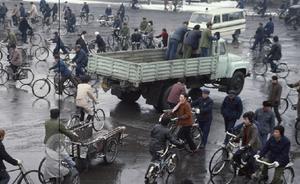 在中国时间最长的法国摄影师:1985,北京有种过时的魅力