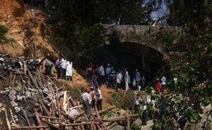 茂名村里自建石桥崩塌,5死8重伤