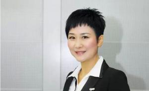 """这次李小琳交了3份""""绿色""""提案,她的着装没有再度成为话题"""