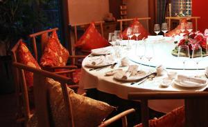 浙江丽水新规禁公职人员参加二十类饭局:老乡小圈子聚餐在列