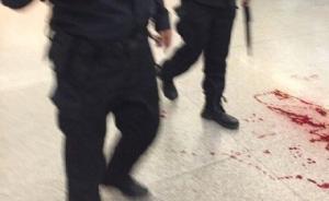 男子沈阳站买票插队遭拒,抽出裁纸刀划伤前面乘客手腕