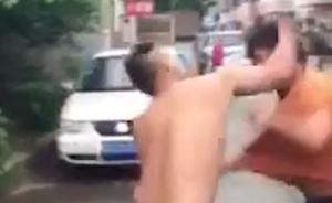 长沙一司机因让路被警车里两人殴打,警方称是巡防队员