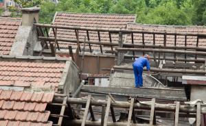 """上海一百年石库门被拆,有望评为保护建筑但""""拆迁者等不及"""""""