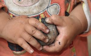 贵州4名留守儿童疑在家农药中毒身亡,父亲在外打工联系不上
