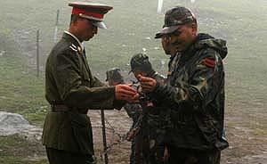 王毅印度答问:边界问题必须面对,但不是中印关系全部