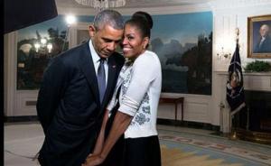 奥巴马庆祝与米歇尔结婚23周年,推特发文上传照片秀恩爱
