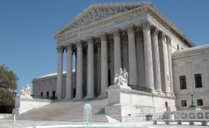 美国最高法院这十年:把放出去的权力再收回来