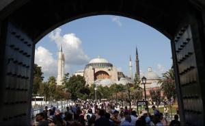 """土耳其蓝色清真寺附近爆炸25人死伤,袭击者""""来自叙利亚"""""""