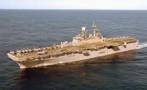 美国两艘攻击舰登陆舰抵韩国,将参加军演操练海岸步兵登陆