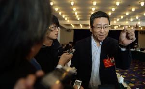 对话政协委员白岩松:政府工作部门出台政策时,一定要有情商