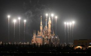 上海迪士尼上演大型焰火秀持续半小时,只是一次普通测试