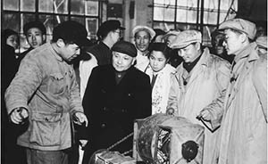 《邓小平在上海》:除了南巡,邓小平在上海还做过什么