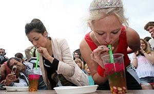 """珍珠奶茶风靡英国德国,美食家称""""根本停不下来"""""""
