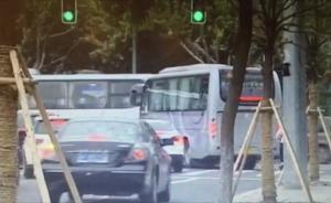 上海多家企业通勤大巴仗着个大随意变道,交警先抓拍次日处罚