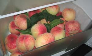 桃子放冰箱半个月毒倒人,专家盘点5类食物不宜放冰箱