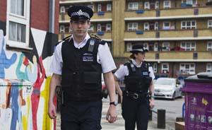 带枪上路?英国警察打破200年不配枪传统