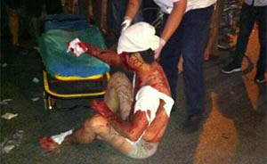 上海出租屋内深夜发生血案:一男子持菜刀重伤两名熟睡室友