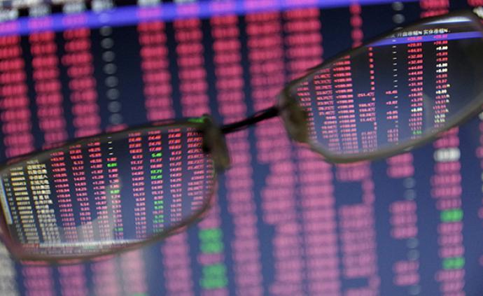 A股放量反弹:消费电子板块领涨,创业板指大涨2.15%