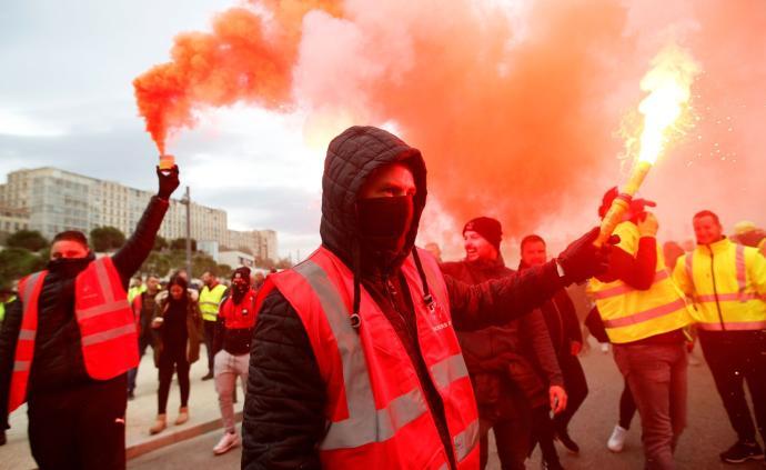 法国开始全国罢工,地铁高铁近乎停运