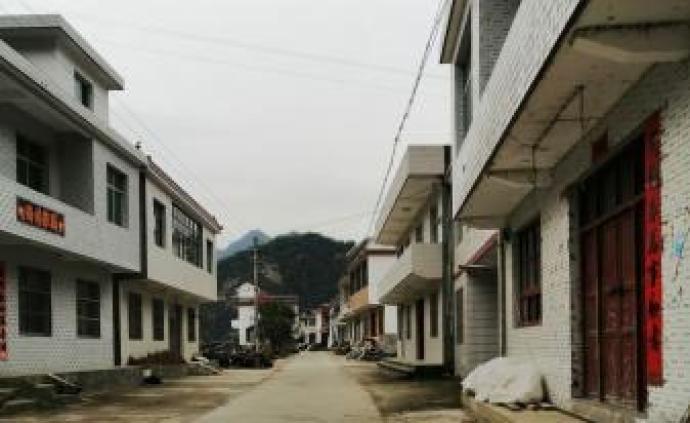 """一個陜南村落的""""空心化""""變遷:""""泛90后""""崛起與城鎮化"""