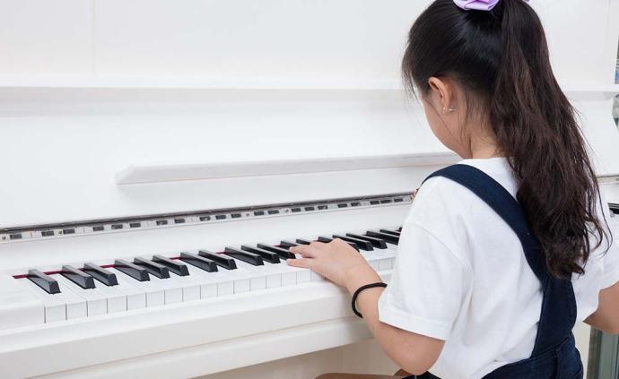 中国家庭|为何到最后,有品味的钢琴还是败给了课外补习