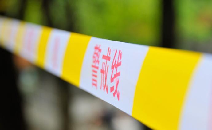 海南一12歲女孩家中被刺身亡,同村嫌犯喝農藥自殺被救送醫