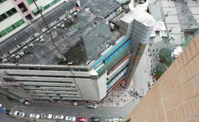 重慶兩名遇難女生家屬已獲政府補償,或將起訴跳樓男子父母