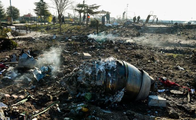 军方承认击落乌客机,鲁哈尼:这是巨大悲剧与不可原谅的错误