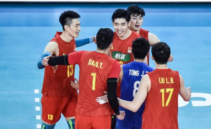 體壇聯播|中國男排進入奧預賽決賽,伊布斬獲回歸意甲首球