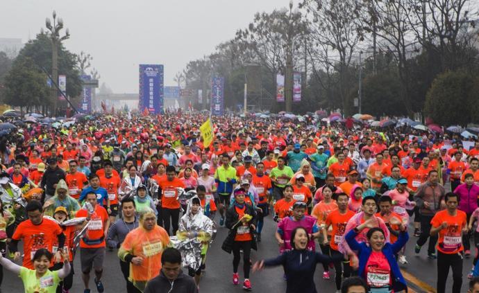 """中國馬拉松開啟""""2.0時代"""",賽事需要的素質有哪些?"""