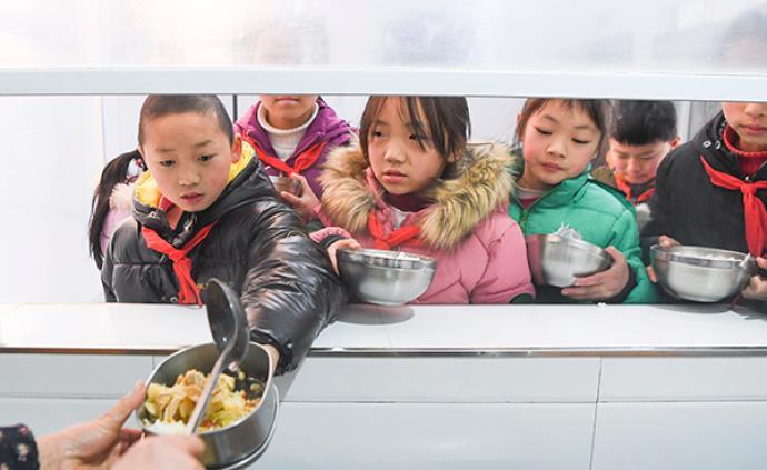 光明日报聚焦学生餐:中小学生不爱吃食堂,只是挑食吗