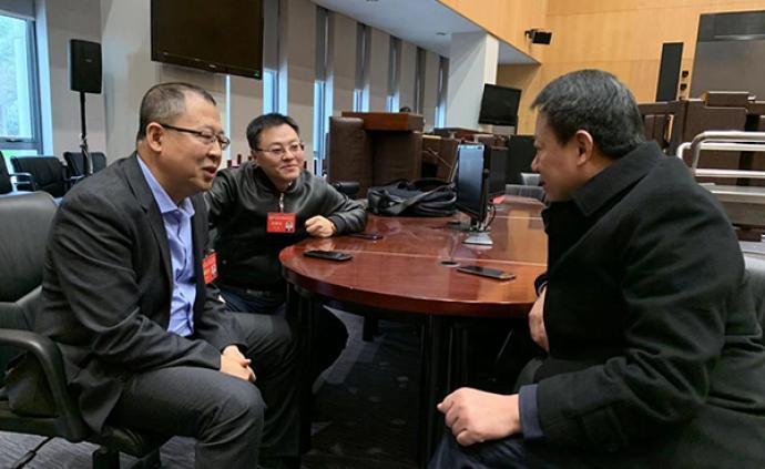 上海市政协委员1分钟发问71路,市交通委1亚博体育ios官方下载面对面答复