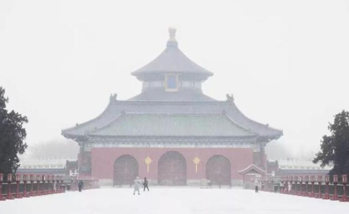 北京出現降雪天氣,5日下午到夜間降雪持續并趨于明顯