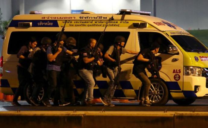 泰國發生槍擊事件20人死亡,特種部隊尚未找到槍手