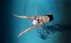 残奥会中国游泳队选手钱红艳:每天游一万米,水里自由快乐