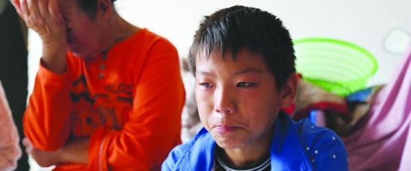 11岁独自跨省化疗的白血病男孩:看奶奶太辛苦所以独自治疗