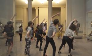 花35美金,可以在纽约大都会博物馆里上一节体育课