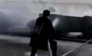 消防员逛街遇火灾,托管孩子后去救火