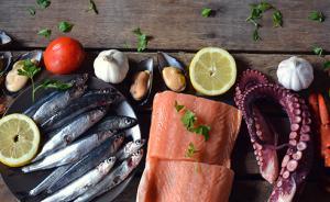 甲状腺病人能否吃海鲜和西兰花,专家:饮食忌口因人而异