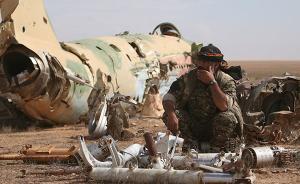 """美军称因错误情报误炸""""友军""""致死18人,叙军方称百人死亡"""