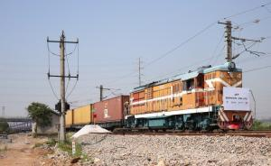 伦敦首发中欧班列今抵义乌,英国商品首次通过铁路直运中国