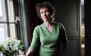 专访|珍妮特·温特森:同性婚姻关系正变得跟异性婚姻一样