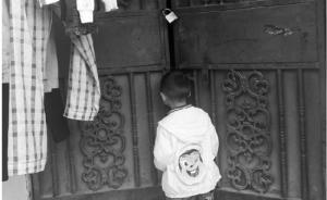 温州一4岁男孩被丢在幼儿园6天,父母相互推脱不愿现身
