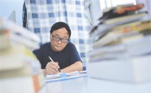 宿管大爷连续两年被评校园读书冠军:退休前是中小学副校长