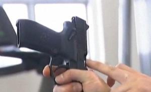 视频|成都特警危急时刻解救人质:手指插入抛弹口阻毒贩开枪
