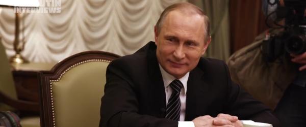 """《普京访谈录》争议中开播:谈美俄开战,称不想当""""沙皇"""""""