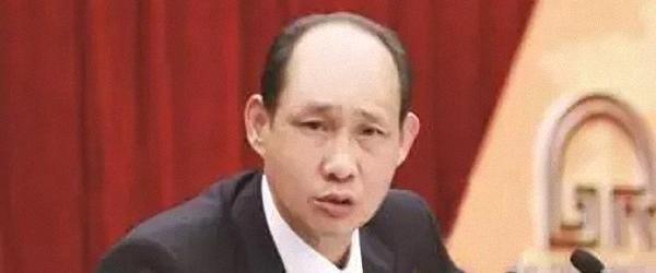 """黄如论被撤政协委员资格后,人大""""如论讲堂""""更名与否暂未定"""