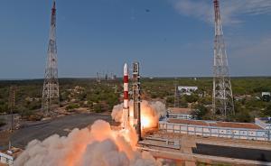 """印度又发射""""一箭31星"""",包括能识别飞机型号的侦察卫星"""