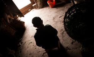 """媒体评""""留守儿童称父母已死"""":可见孩子的绝望和无助"""